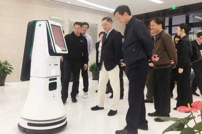 上海市副市长考察思岚科技